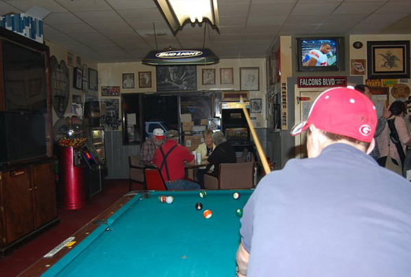 Gooney's Billiard & Grill