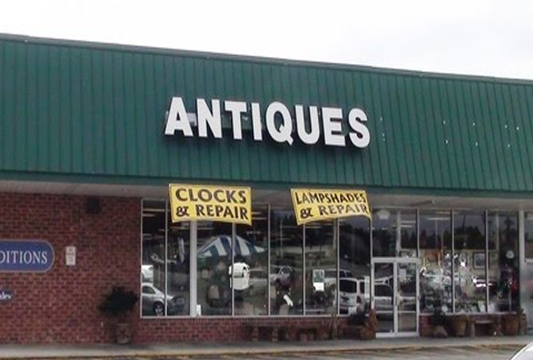 Trends & Traditions Antique Mall